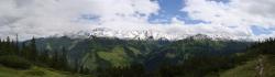 Verschneite Berge in der Kelchsau - und das im Sommer