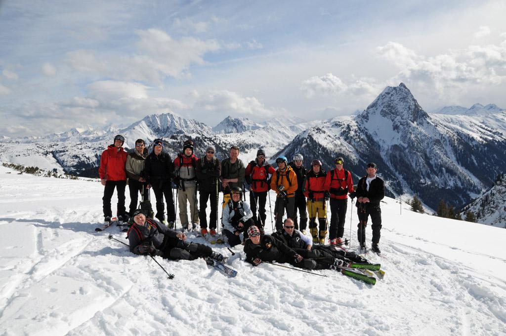 Woipertouringer_Skitour_Gruppenfoto_mit_Rettenstein