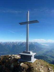 neues Gipfelkreuz am Roßkogel