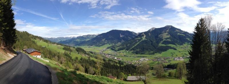 Blick ins Brixental.jpg