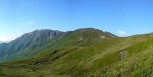 Blick über den Wiesboden auf den Steinbergstein