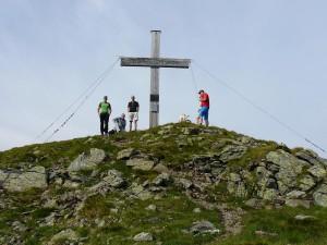 Gipfelfoto am Torhelm