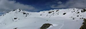 der Abstieg ... rechts die Aleitenspitze, ca. mittig der Schafsiedel