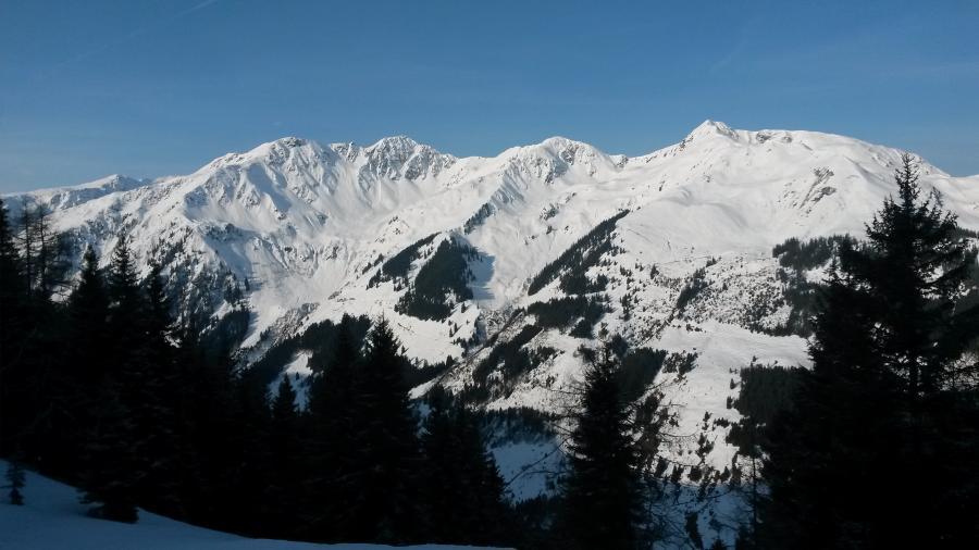 Blick auf den Gegenhang zum Lämpersberg und den kl. u. gr. Beil