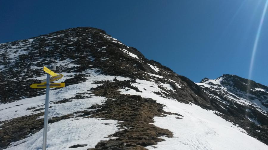 ... der nackte Gipfelhang