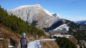 76-corinna-vor-bergstation